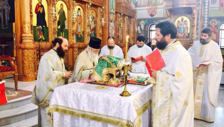 Η Θ. Λειτουργία του Αγ. Ιακώβου του Αδελφοθέου στην Ι. Μ. Γλυφάδας (ΦΩΤΟ)