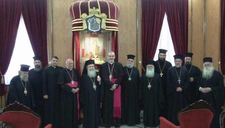 Στον Πατριάρχη Ιεροσολύμων ο νέος Λατίνος Πατριάρχης (ΦΩΤΟ-ΒΙΝΤΕΟ)
