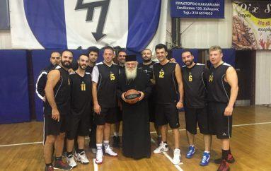 Σε αγώνα μπάσκετ των εργαζομένων της Ι.Α.Α. βρέθηκε ο Αρχιεπίσκοπος Αθηνών (ΦΩΤΟ)