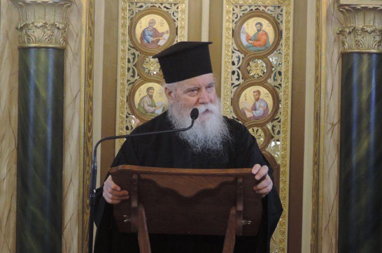 """Αρχιμ. Δανιήλ Αεράκης: """"Ο Χριστός είναι σωτήρας, δεν είναι οδοστρωτήρας"""" (ΒΙΝΤΕΟ)"""