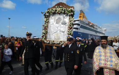 Η Παναγία Εκατονταπυλιανή επέστρεψε στο θρόνο της (ΦΩΤΟ)