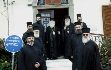 """Αρχιεπίσκοπος Ιερώνυμος: """"Ήρθα να τιμήσω τους θεματοφύλακες της πατρίδας μας"""" (ΦΩΤΟ)"""