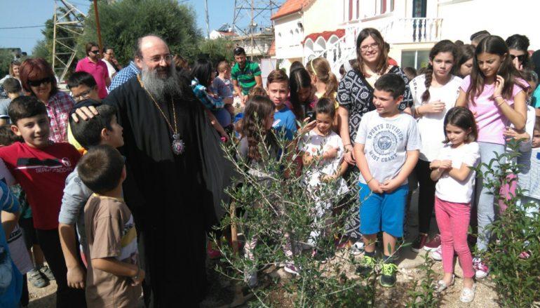Ο Μητροπολίτης Πατρών κοντά στα παιδιά της Μητροπόλεως (ΦΩΤΟ)