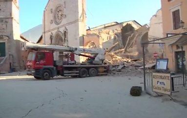 Ο ναός του Αγίου Βενέδικτου πριν και μετά το «χτύπημα» του Εγκέλαδου (ΦΩΤΟ)