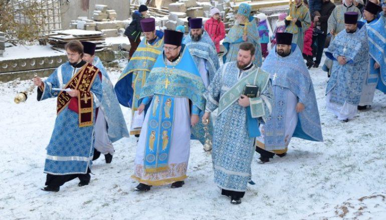 Λιτανεία στον Ι.Ν. Αγ. Σκέπης σε χωριό της Λευκορωσίας (ΦΩΤΟ)