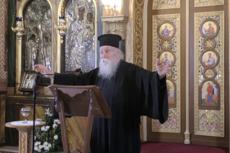 """Αρχιμ. Δανιήλ Αεράκης: """"Ο Χριστός είναι ο αξιέραστος και ο αξεπέραστος"""" (BINTEO)"""