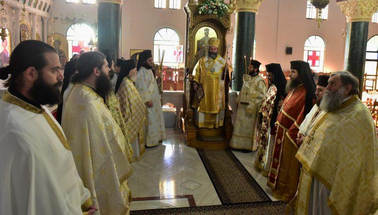 Αρχιερατική Θεία Λειτουργία της εορτής του Αγίου Νεκταρίου στην Ι. Μ. Λαγκαδά (ΦΩΤΟ)