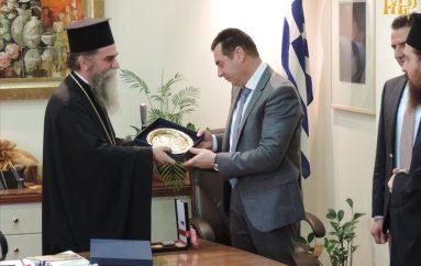 Εθιμοτυπική επίσκεψη του Μητροπολίτη Άρτης σε Αντιπεριφερειάρχη και Δήμαρχο (ΦΩΤΟ)