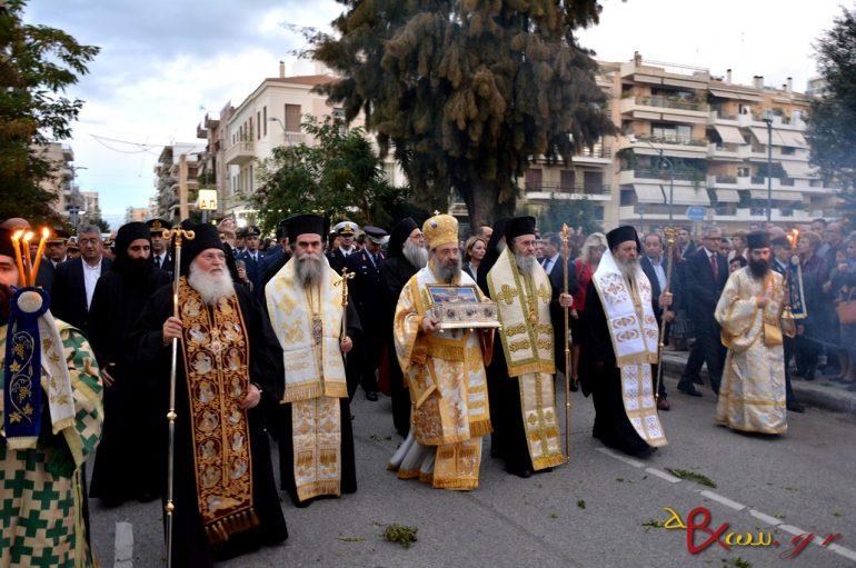 Λαοθάλασσα πιστών στην Υποδοχή της Τιμίας Ζώνης της Παναγίας στην Πάτρα (ΦΩΤΟ)