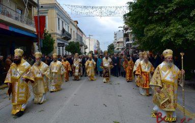Πλημμύρα πιστών για τον πολιούχο της Πάτρας Άγιο Ανδρέα (ΦΩΤΟ)