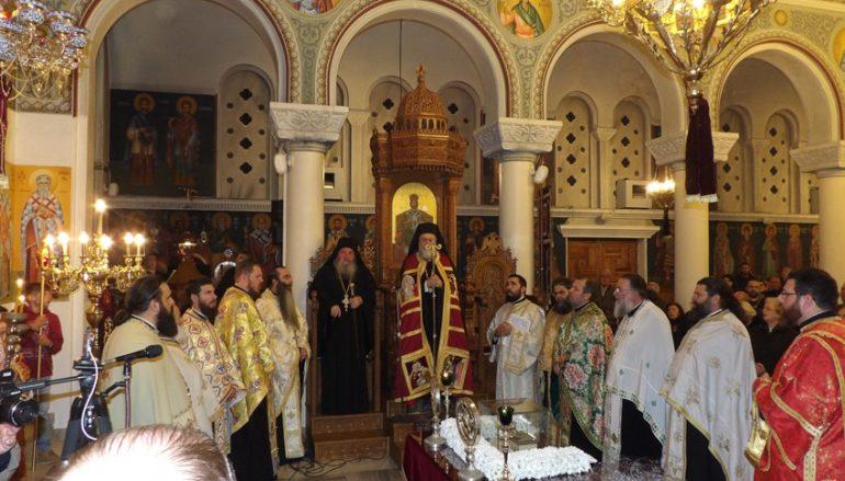 Υποδοχή των Αχράντων Παθών στην Κόρινθο (ΦΩΤΟ)