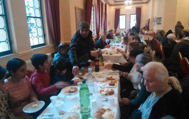 Γεύμα Αγάπης στην Ι. Μ. Νεαπόλεως (ΦΩΤΟ)