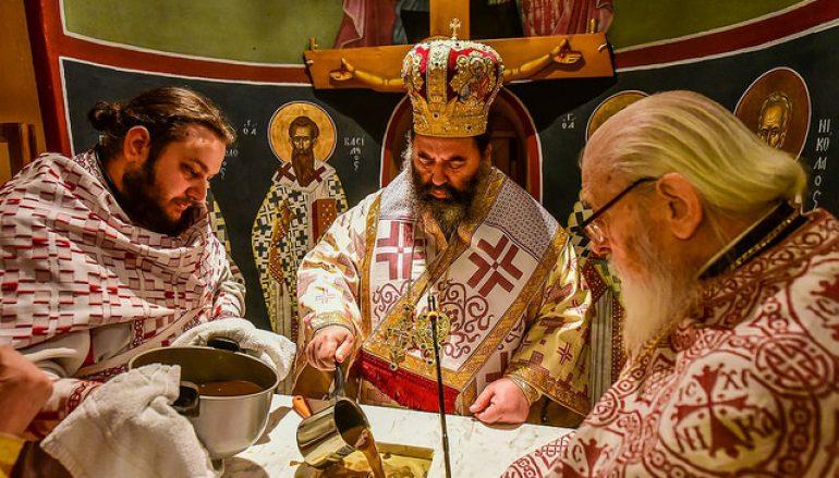 Ακολουθία επί τη διασαλευθείση Αγία Τραπέζη στον Ι. Ν. Ζωοδόχου Πηγής Λητής (ΦΩΤΟ)