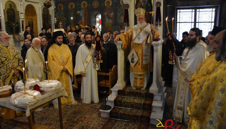 Με λαμπρότητα πανηγύρισε ο Ιερός Ναός Αγίας Βαρβάρας Τρίπολης (ΦΩΤΟ)