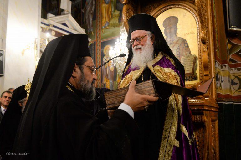 Συγκινητική η υποδοχή του Αρχιεπίσκοπου Αλβανίας στην Καλαμάτα (ΦΩΤΟ-ΒΙΝΤΕΟ)