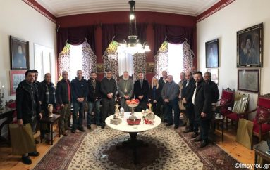 Ο Δήμαρχος Σύρου επισκέφθηκε τον Μητροπολίτη Σύρου (ΦΩΤΟ)