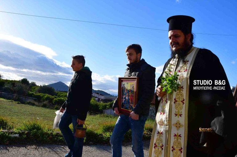 Ο Πρώτος Αγιασμός των Θεοφανείων στο Νέο Ροεινό Ναυπλίου (ΦΩΤΟ)
