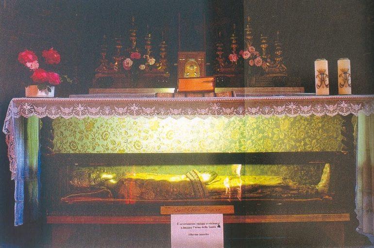 Στην Ελλάδα για πρώτη φορά το ιερό σκήνωμα της Αγίας Ελένης