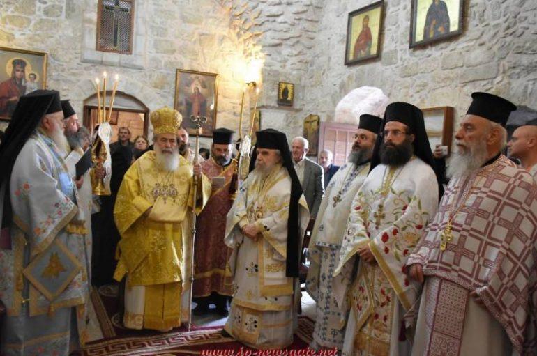 Ο Πατριάρχης Ιεροσολύμων λειτούργησε στο χωριό των 10 Λεπρών (ΦΩΤΟ-ΒΙΝΤΕΟ)