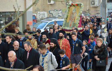 Ο Μέγας Φώτιος αγίασε τις γειτονιές και τους δρόμους της Νέας Παραλίας Θεσσαλονίκης (ΦΩΤΟ)