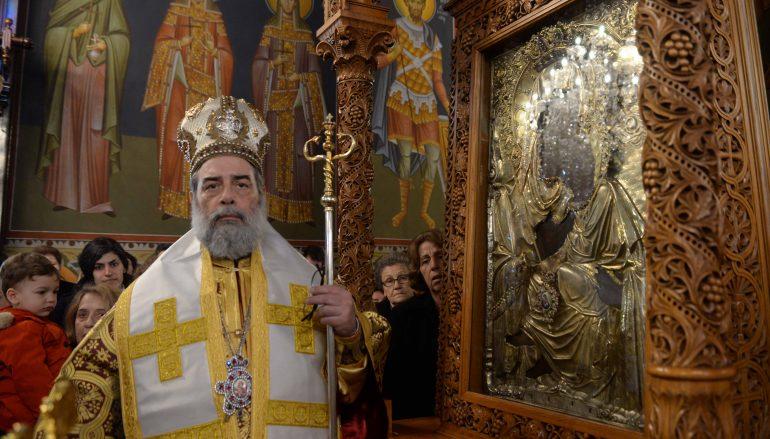Στον μόνιμο θρόνο της η Είκονα της Παναγίας Υπαπαντής στην Καλαμάτα (ΦΩΤΟ)