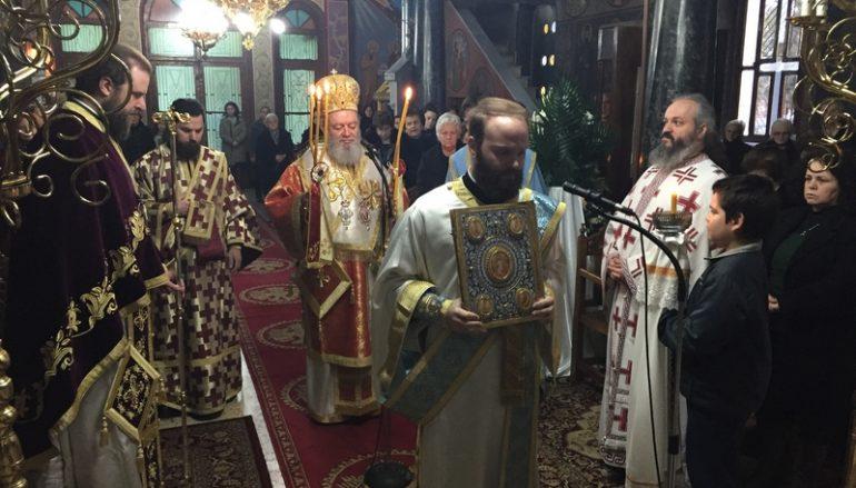 Ο Μητροπολίτης Χαλκίδος στον Ι. Ν. Αγίου Σπυρίδωνος Τριάδος Μεσσαπίων (ΦΩΤΟ)