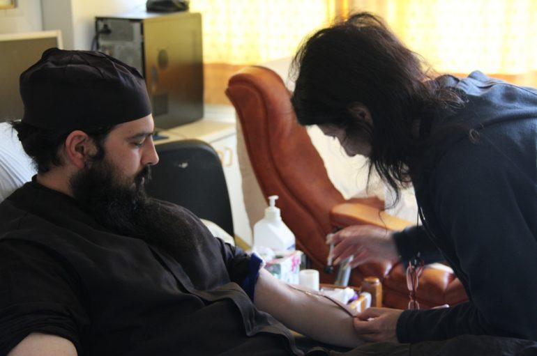Η Ι. Μ. Φωκίδος πρόσφερε φιάλες αίματος στο Ναυτικό Νοσοκομείο Αθηνών (ΦΩΤΟ)