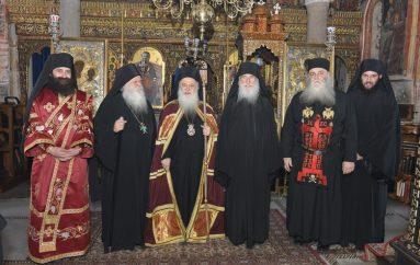 Τρεις χειροτονίες από τον Μητροπολίτη Βεροίας στην Ιερά Μονή Ξενοφώντος (ΦΩΤΟ)