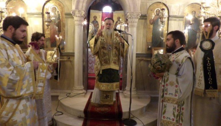 Η Κυριακή της Σταυροπροσκυνήσεως στην Ι. Μ. Κορίνθου (ΦΩΤΟ)