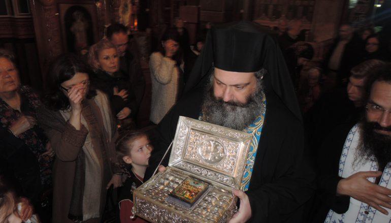 Υποδοχή Λειψάνων των Αγίων Πατέρων της Όπτινα στην Ευαγγελίστρια Πειραιώς (ΦΩΤΟ-ΒΙΝΤΕΟ)