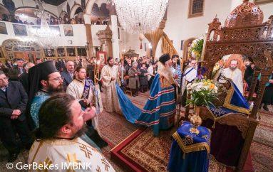 Οι Γ΄ Χαιρετισμοί στον Ι. Ναό Κοιμήσεως Θεοτόκου Ναούσης (ΦΩΤΟ)