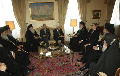 Επίσημο γεύμα του ΠτΔ προς τον Αρχιεπίσκοπο και τα μέλη της Δ.Ι.Σ. (ΦΩΤΟ)