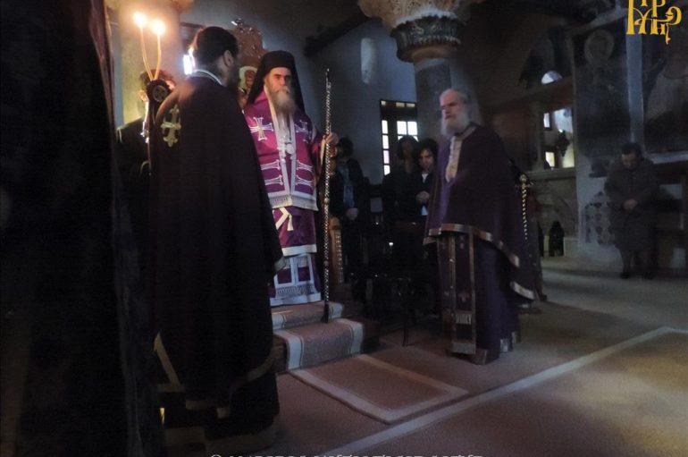 Προηγιασμένων Θεία Λειτουργία των Τιμίων Δώρων στην Ι. Μ. Άρτης (ΦΩΤΟ)