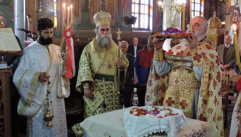Κυριακή της Σταυροπροσκυνήσεως στην Ι. Μητρόπολη Άρτης (ΦΩΤΟ)