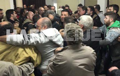 Αντιδράσεις στο Πελόπιο κατά της Ι. Μ. Ηλείας για τους πρόσφυγες (ΒΙΝΤΕΟ)