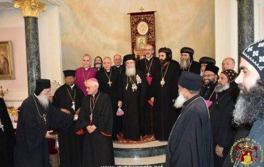 Πασχαλινές επισκέψεις στον Πατριάρχη Ιεροσολύμων  (ΦΩΤΟ)