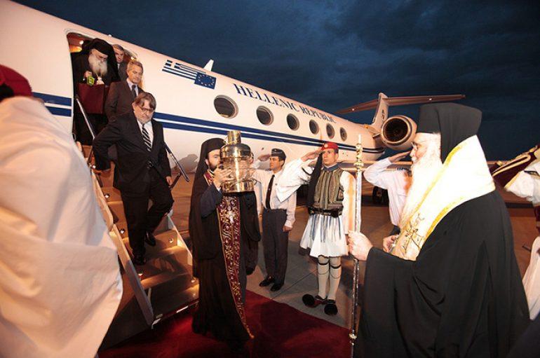 Με τρία αεροσκάφη της Aegean θα φθάσει το Άγιο Φως στην Ελλάδα