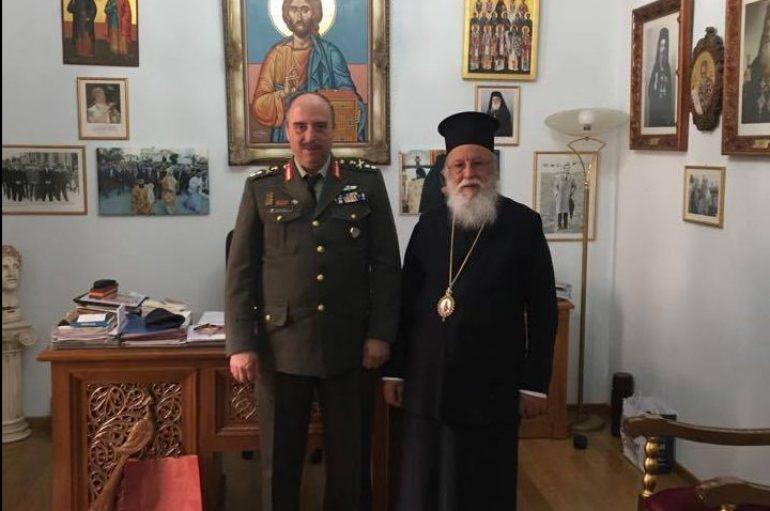 Στον Μητροπολίτη Μαντινείας ο νέος Διοικητής Κέντρων της Πελοποννήσου