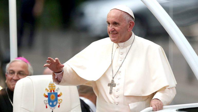 Ο Πάπας της «ειρήνης» επισκέπτεται το Κάιρο