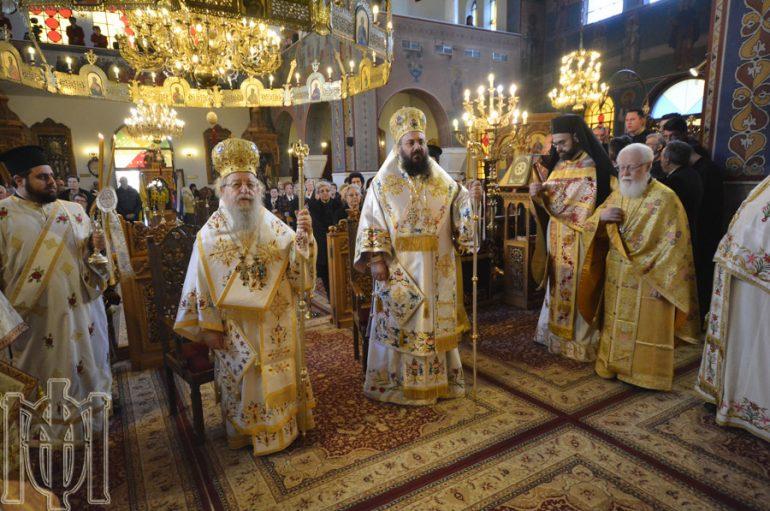 Δισαρχιερατική Θεία Λειτουργία στον Ι.Ν. Αγίας Βαρβάρας Θεσσαλονίκης (ΦΩΤΟ-ΒΙΝΤΕΟ)