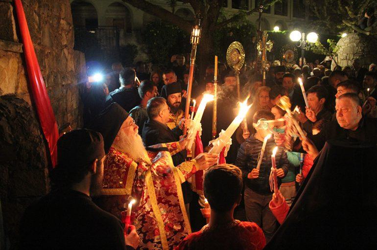 Κυριακή του Πάσχα στο Μοναστήρι του Τρικόρφου (ΦΩΤΟ)