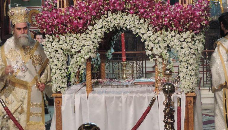 Η Ακολουθία του Επιταφίου στην Ιερά Μητρόπολη Άρτης (ΦΩΤΟ)