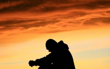 Η ζωή μέσα στο ψέμα με μόνη συντροφιά τον εγωισμό
