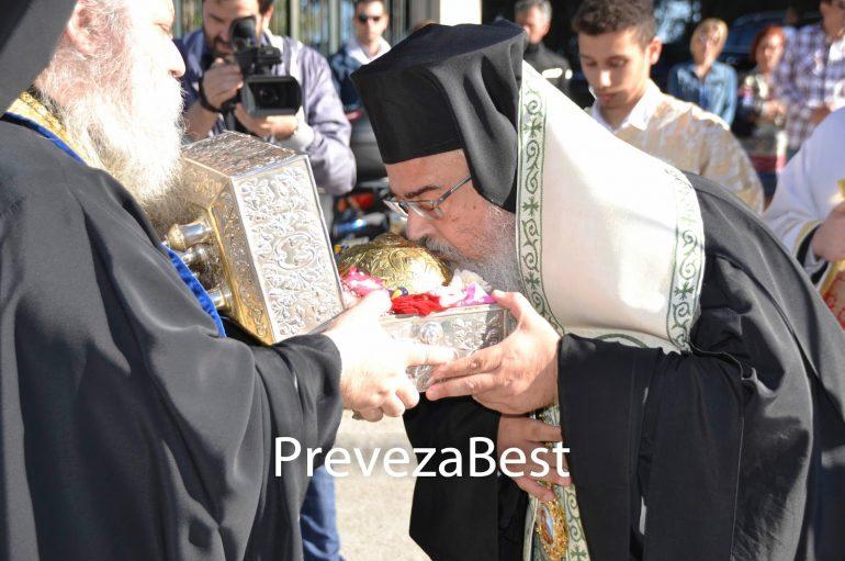 Η Πρέβεζα υποδέχθηκε την Τίμια Κάρα του Οσίου Δαυίδ (ΦΩΤΟ)