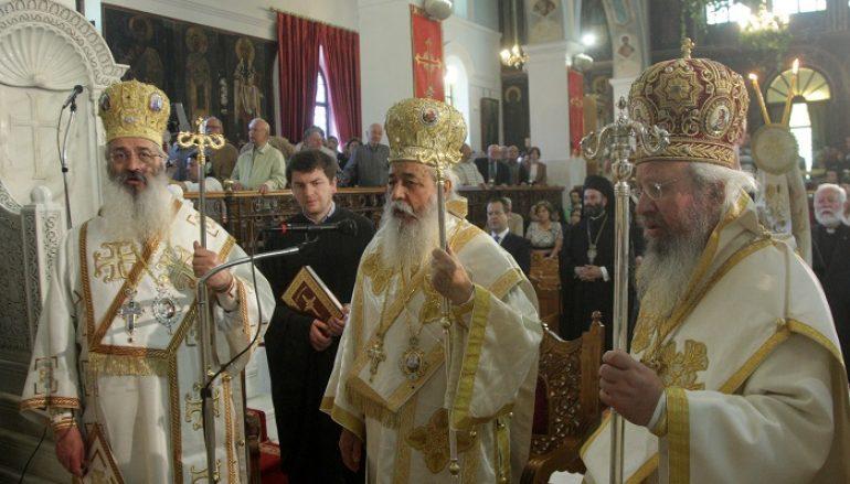 Πολυαρχιερατικό συλλείτουργο των Αγ. Κωνσταντίνου & Ελένης στην Αγία Βαρβάρα Αιγάλεω