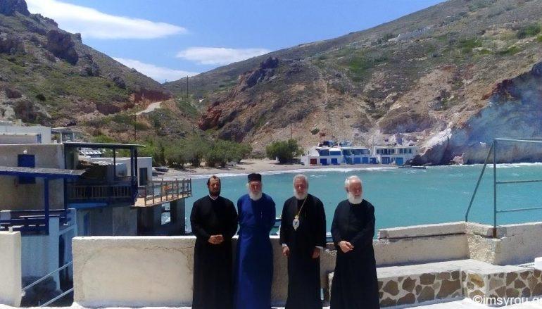 Ο Μητροπολίτης Σύρου στην Ιερά νήσο Μήλο (ΦΩΤΟ)