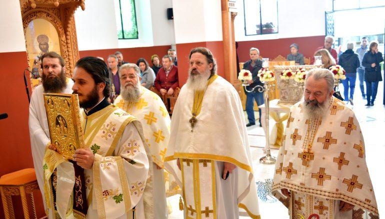 Θεία Λειτουργία στον ανακαινισθέντα Ι. Ν. Νεομάρτυρα Παύλου Τρίπολης (ΦΩΤΟ)