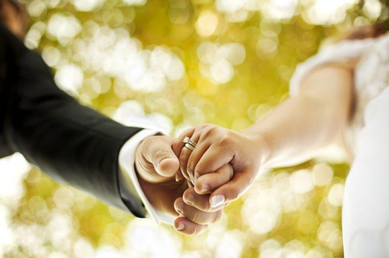 Όσοι έκαναν πολιτικό γάμο ή σύμφωνο συμβίωσης δεν είναι μέλη της Εκκλησίας
