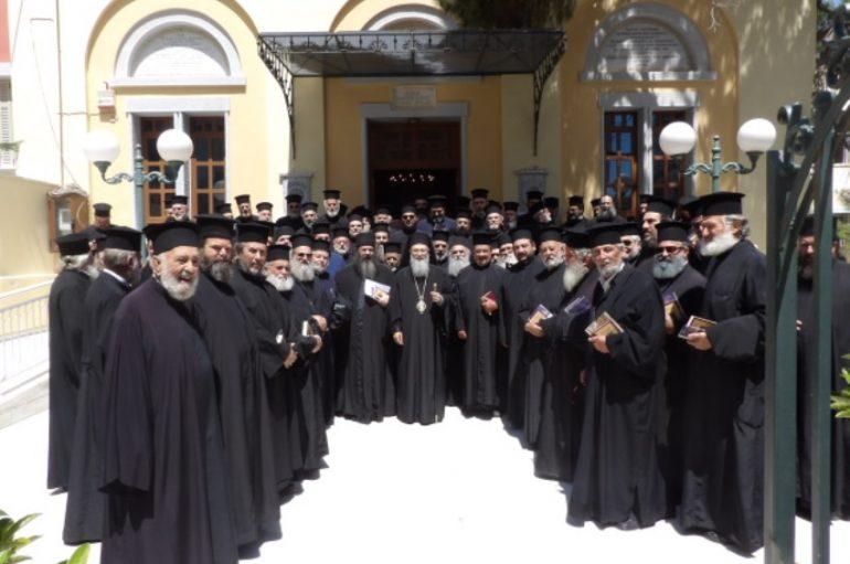 Ιερατική Σύναξη στην Ι. Μητρόπολη Κορίνθου (ΦΩΤΟ)