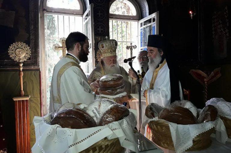 Εορτή του Αγίου Πνεύματος στο Ι. Προσκύνημα της Παναγίας Τρυπητής (ΦΩΤΟ)